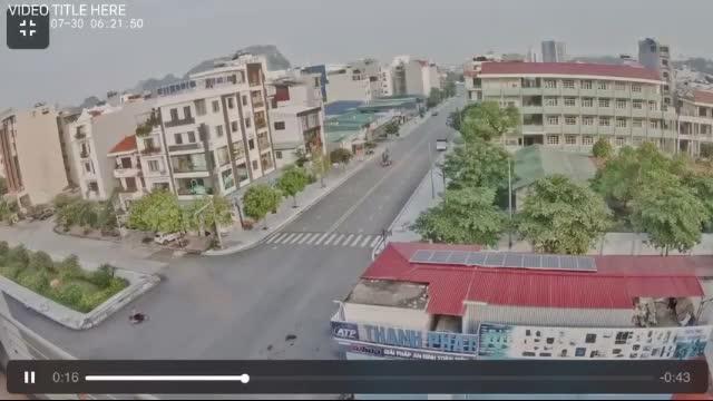 Mới- nóng - Clip: Kinh hoàng khoảnh khắc xe nâng cán người phụ nữ ở Quảng Ninh