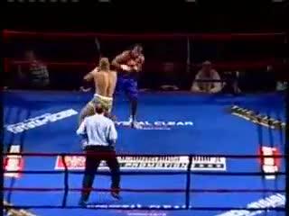 Giải trí - Clip: Tung cú đấm cực nhanh, võ sĩ quyền Anh hạ đối thủ trong 1 giây